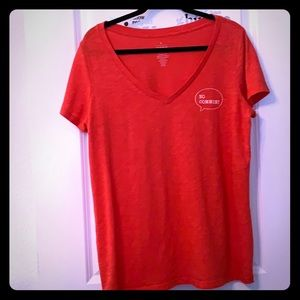 """Red """"no comment"""" T-shirt"""